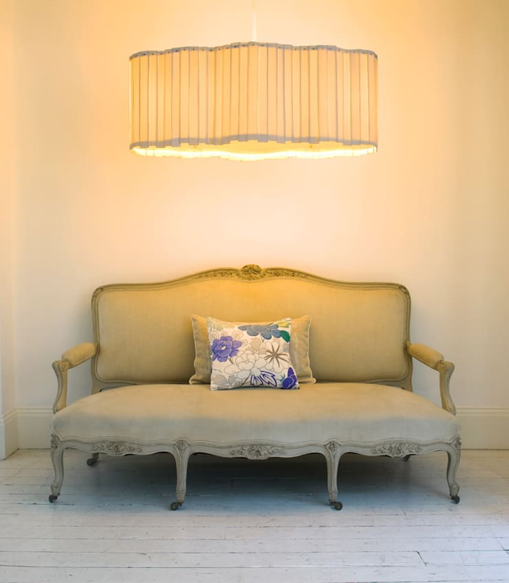 Nuage Chandelier:  Living room by Boatswain Lighting