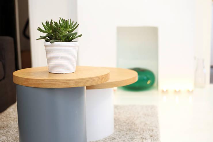 Tables basses: Salon de style  par Sandra Dages