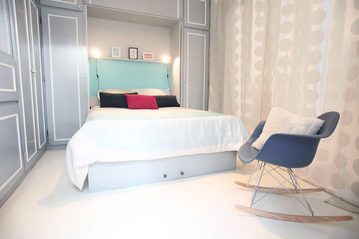 Chambre: Salon de style  par Sandra Dages