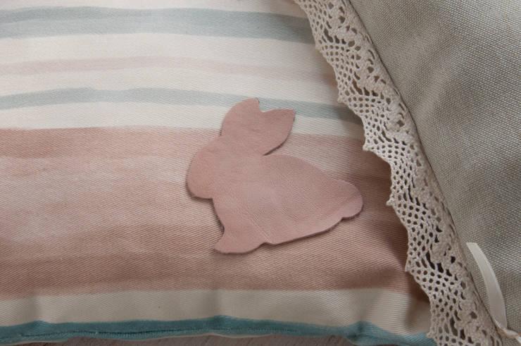 fingerscrossed – Pink Rabbit Yastık Detay: minimalist tarz , Minimalist