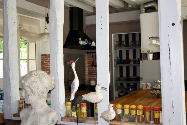 Cuisine ouverte: Cuisine de style de style Rustique par Sandra Dages