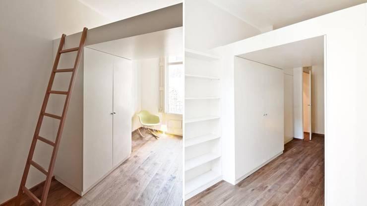 Habitación niños: Dormitorios de estilo clásico de Diseño y Comunicación Online