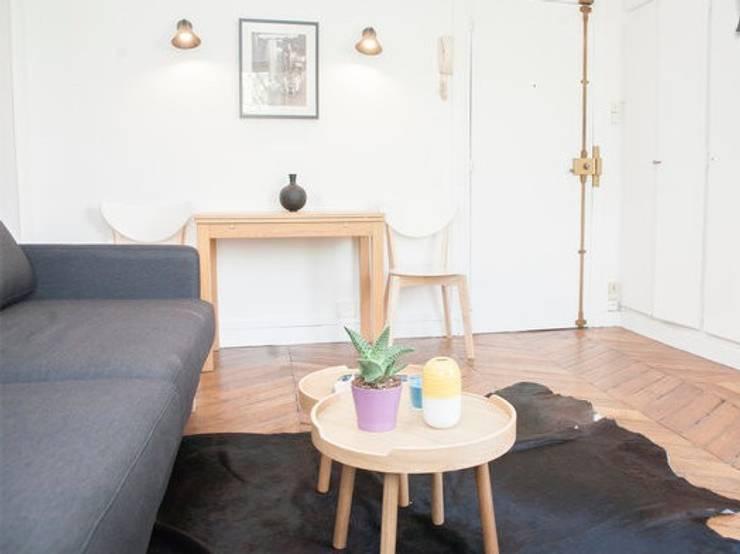 Salon: Salon de style de style eclectique par Sandra Dages