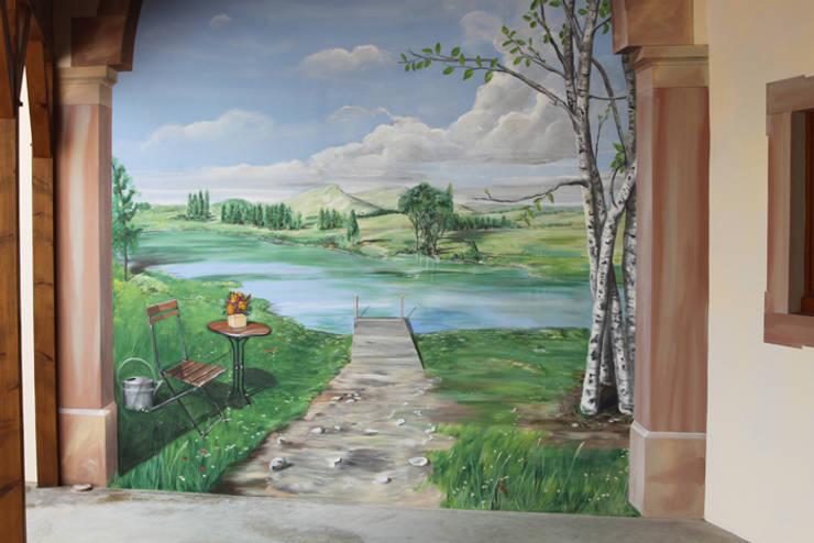 Trompe-l'oeil réalisé dans un hall d'entrée:  de style  par THIERRY HERR