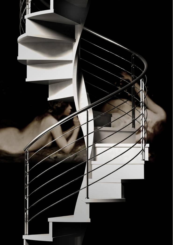 Escalera helicoidal de madera: Vestíbulos, pasillos y escaleras de estilo  de Enesca