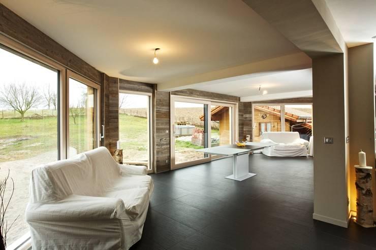 Création d'une extension de maison: Maisons de style  par A3Design