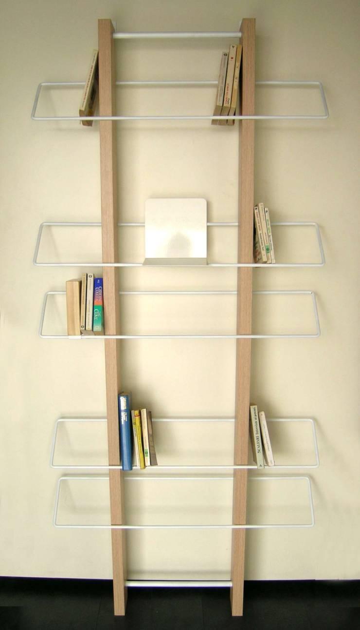 traliccio da parete: Soggiorno in stile  di 4P1B Design Studio