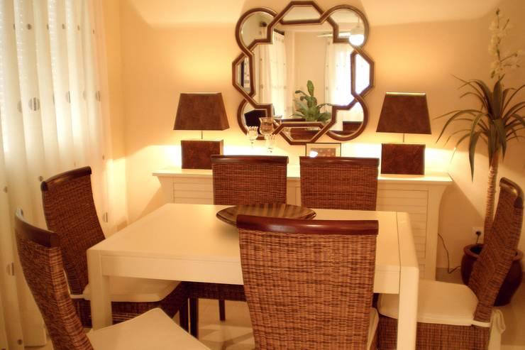 Casas de estilo  por Ámbar Muebles
