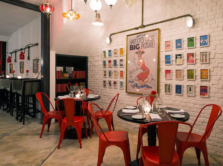 Decor: Bares e clubes  por Osvaldo Vintage Store,Industrial