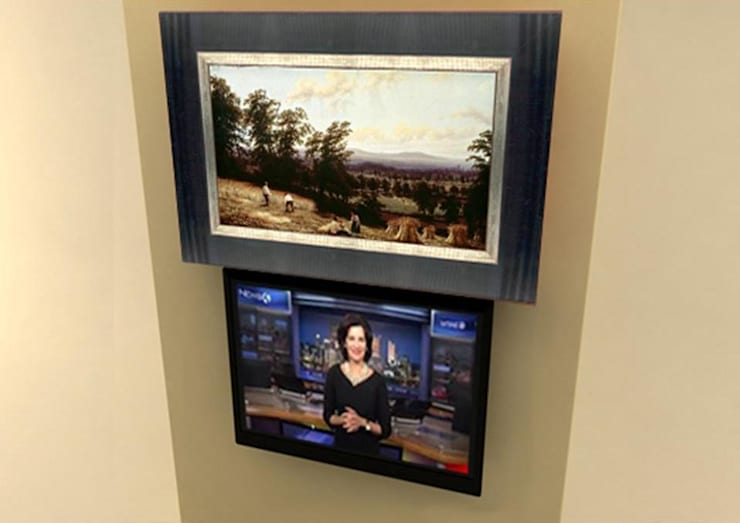 Elegant Décor & Ergonomic TV Solution:  Bathroom by DECOLIFT