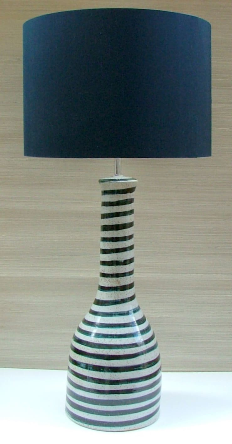 SOHO CERAMIC TABLE LAMP: modern Kitchen by Kinkatou of london