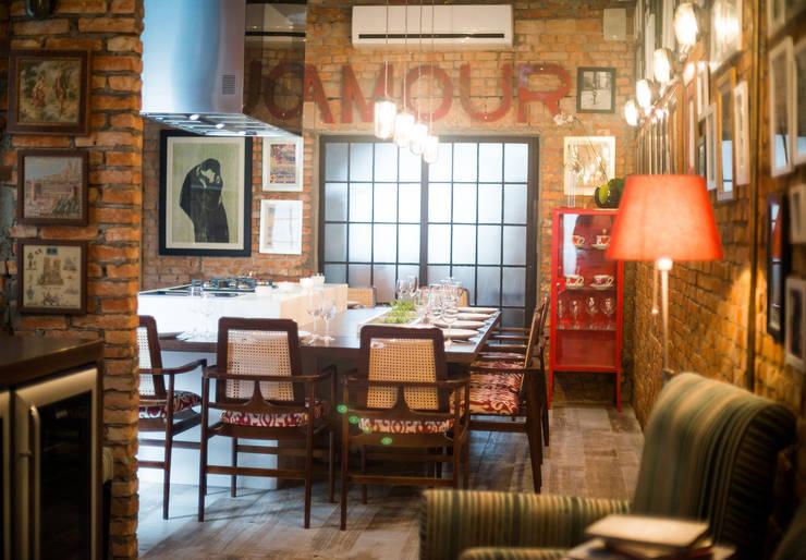 Decor Cook Show - Espaço de Eventos Meating Bistro a Viandes - São Paulo/Brasil: Bares e clubes  por Osvaldo Vintage Store,Industrial