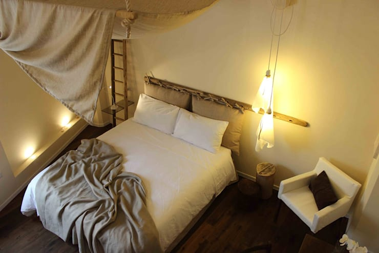 FondoVito B&B: Camera da letto in stile  di FRANCESCO CARDANO Interior designer