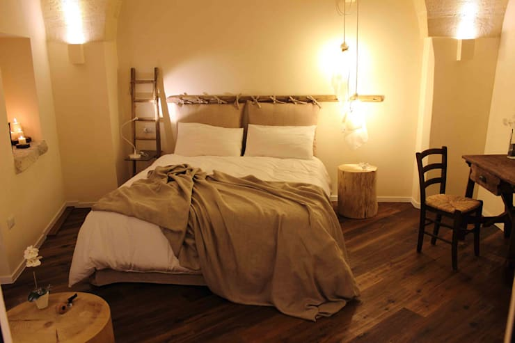 rustic Bedroom by FRANCESCO CARDANO Interior designer