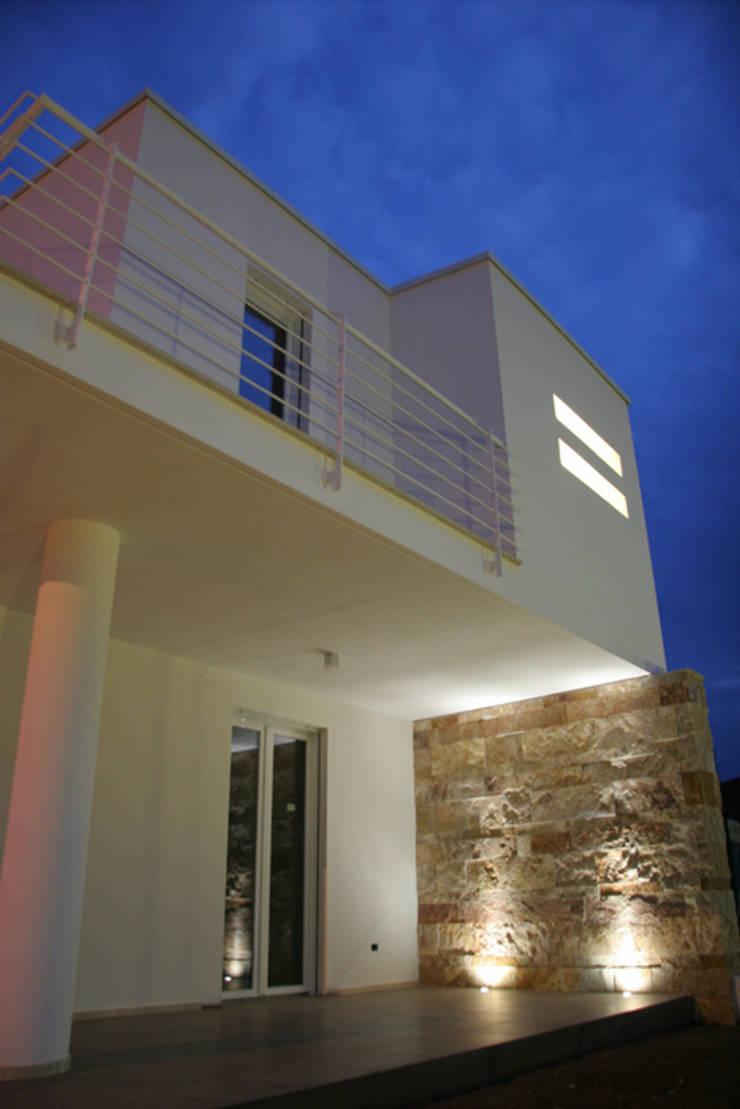 Costruzione Villette al mare:  in stile  di FRANCESCO CARDANO Interior designer