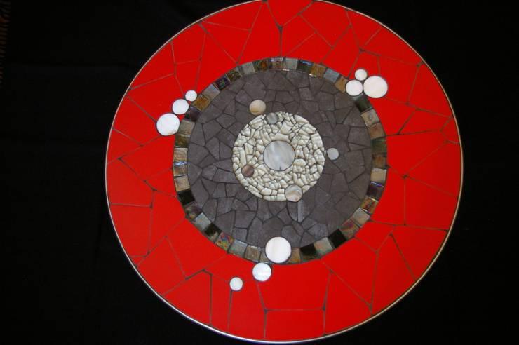 petite table  basse 50 cm de diamètre: Salon de style de style Moderne par CREDEMO (CREation DEcoration MOsaique