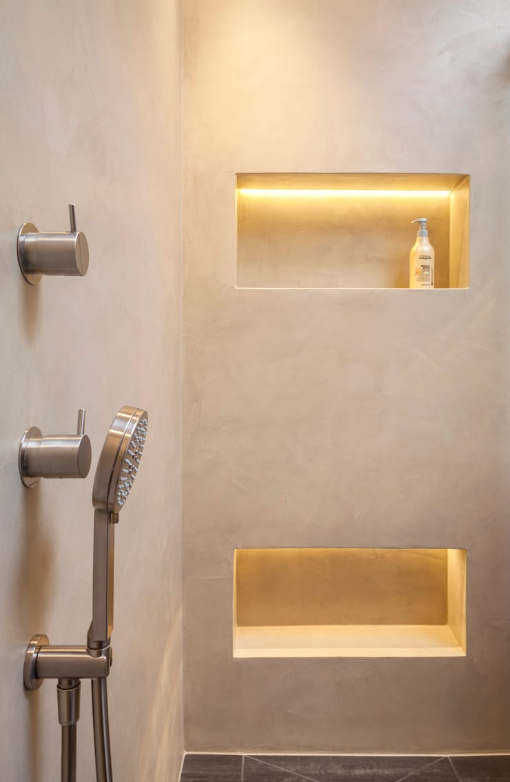 Bathroom by Einwandfrei - innovative Malerarbeiten oHG,