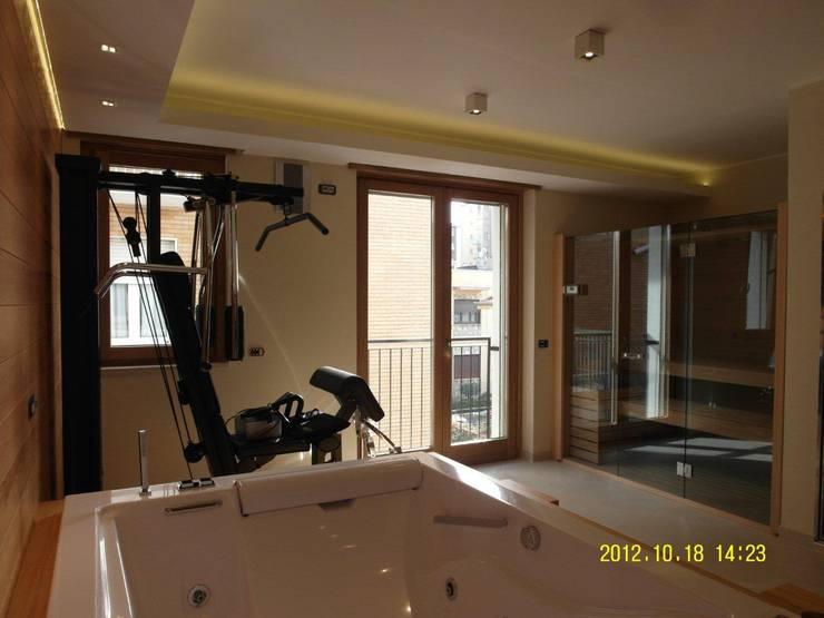 sala fitness:  in stile  di BGG architettura