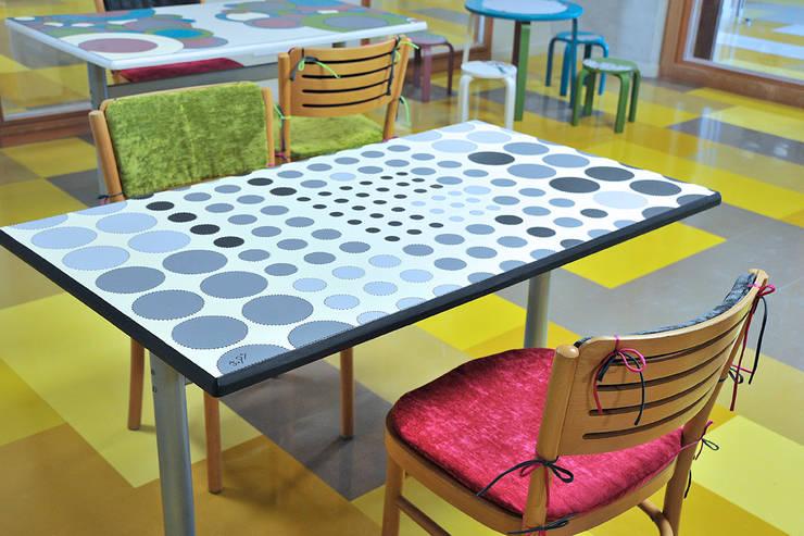 Aménagement d'espace à la ludothèque: Bureau de style  par ATELIER D'éco SOLIDAIRE