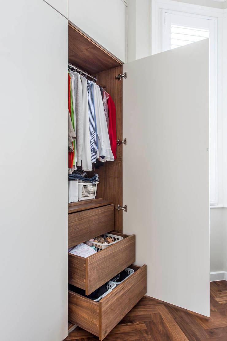 Bespoke Wardrobe:  Bedroom by CATO creative