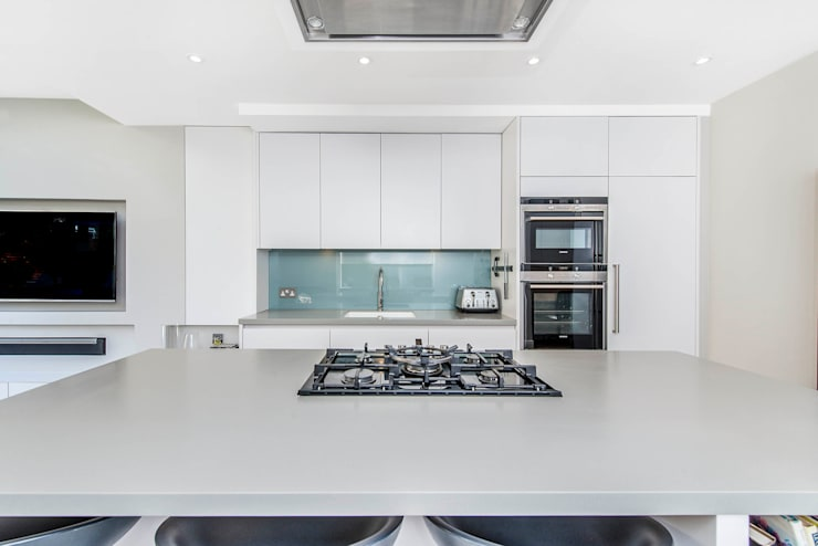 Bespoke Kitchen:   by CATO creative