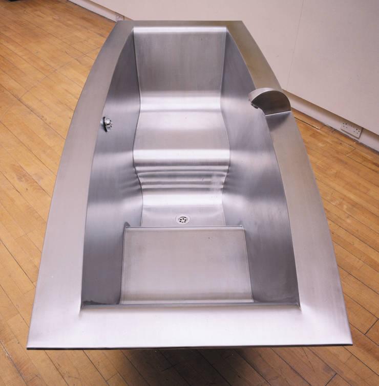 Two Seater Bath - Internal View:   by BLOTT WORKS