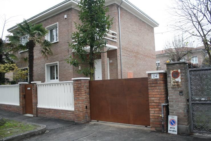 Casa Borio: Case in stile in stile Moderno di Studio Thesia Progetti
