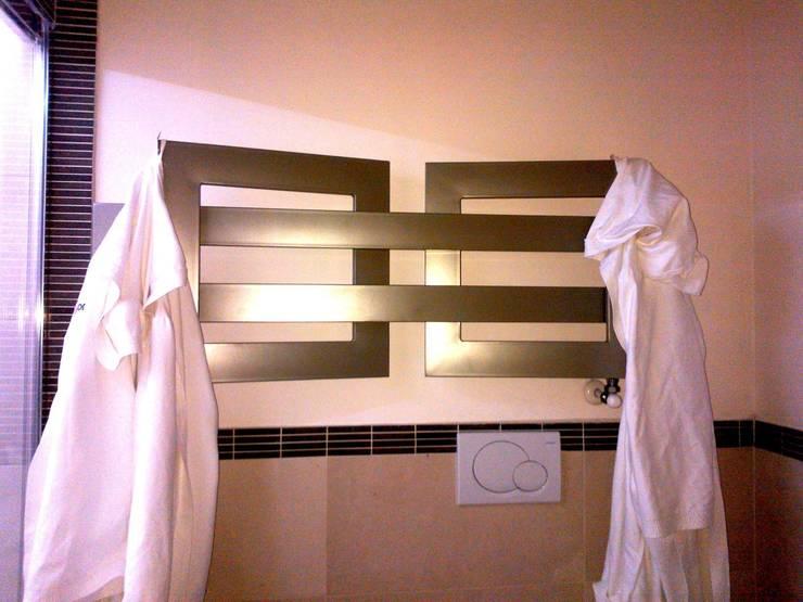 UNA SPA IN CASA… : Bagno in stile  di Inarte Progetti di Lucio Mana