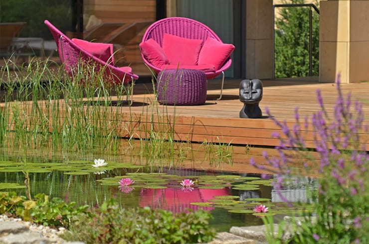 BIOTOP Natural Pool - Classic chic:   by BIOTOP Landschaftsgestaltung GmbH