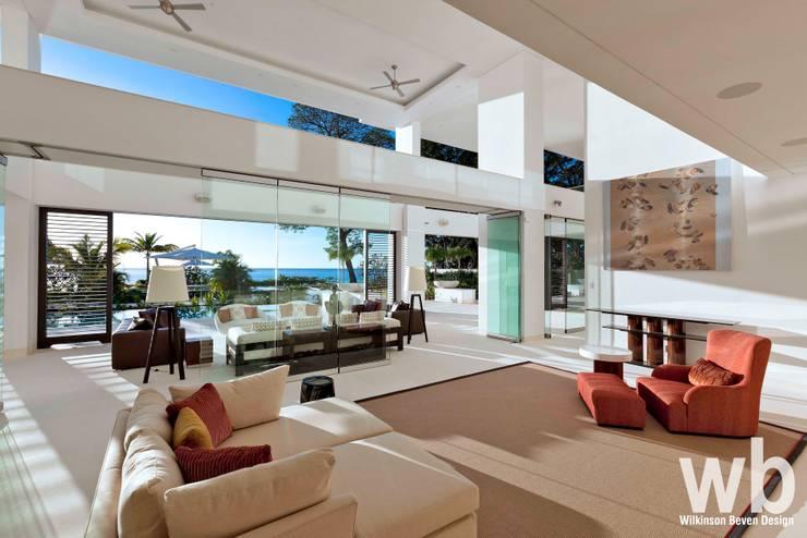 Modern Caribbean Villa:  Living room by Wilkinson Beven Design