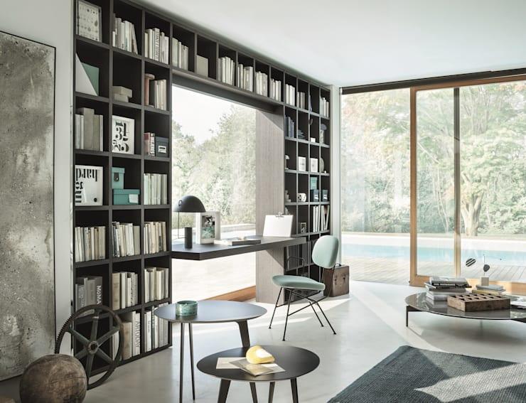Tailored Bookshelf: Studio in stile in stile Moderno di Mobilificio Marchese