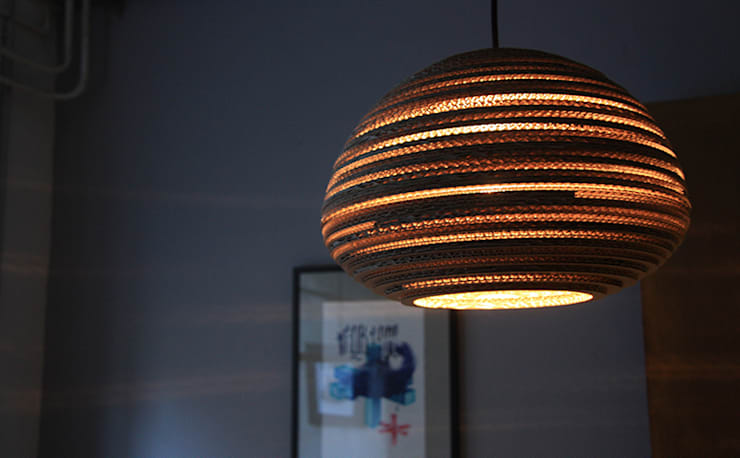 Lampen aus Recycling-Material:  Wohnzimmer von Upcycling Deluxe