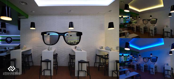 Diseño de bar de tapas/copas: Bares y Clubs de estilo  de C2INTERIORISTAS