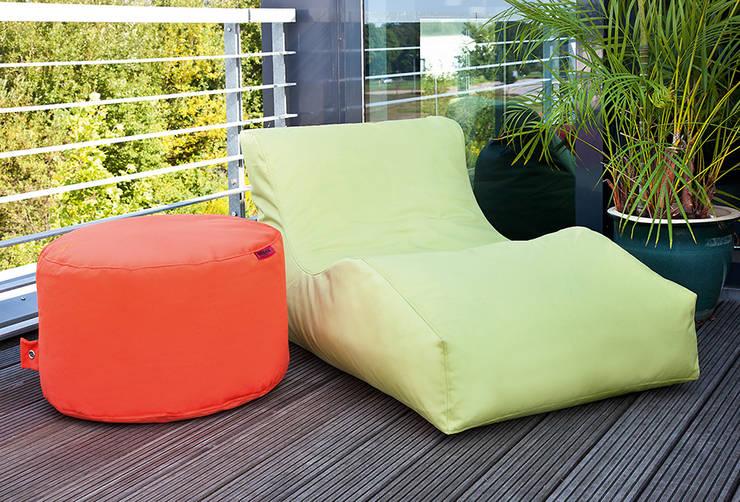Balcones y terrazas de estilo  por Global Bedding GmbH & Co.KG