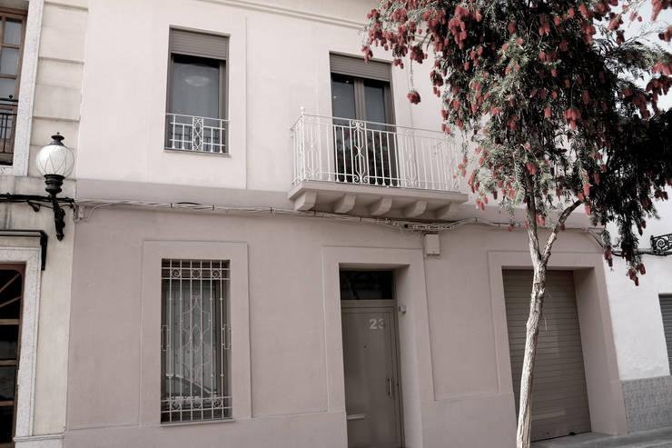 REHABILITACIÓN VIVIENDA EN PICANYA: Casas de estilo  de RUBÉN MUEDRA ESTUDIO DE ARQUITECTURA