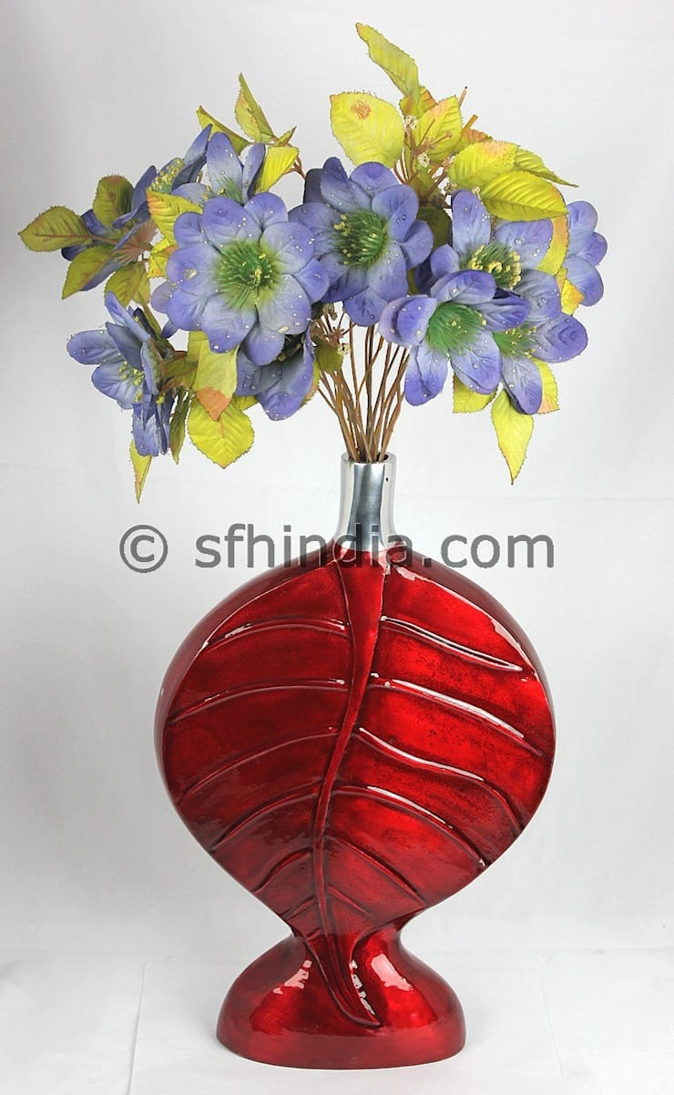 Red Enamel Glossy Vase:  Living room by SUPER FINE HANDICRAFTS