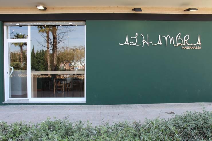 RESTAURANTE ALHAMBRA: Bodegas de estilo moderno de RUBÉN MUEDRA ESTUDIO DE ARQUITECTURA