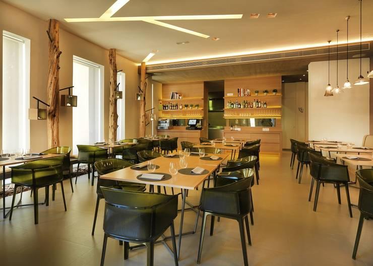JOAN MARC RESTAURANT: Locales gastronómicos de estilo  de margarotger interiorisme