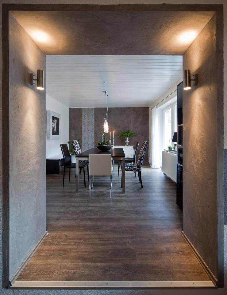 Wohnraum-Wandgestaltung mit Marmorputz:  Esszimmer von Einwandfrei - innovative Malerarbeiten oHG,Modern