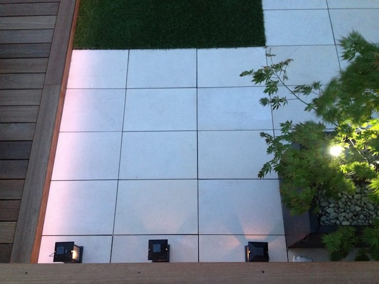 Roof terrace 3: modern  by Paul Newman Landscapes, Modern