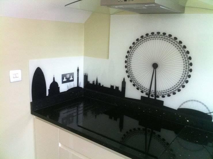 Printed Kitchen Glass Splashbacks:  Bedroom by bohdan.duha