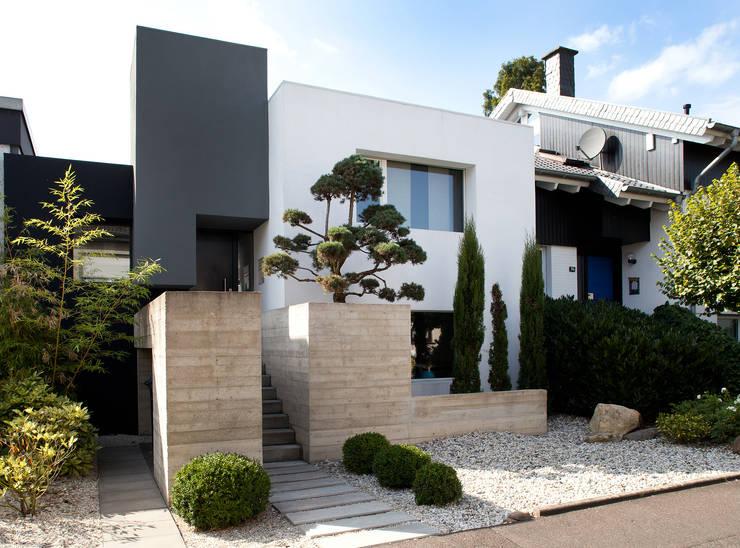 Casas unifamiliares de estilo  por Scheumar Baumanufaktur