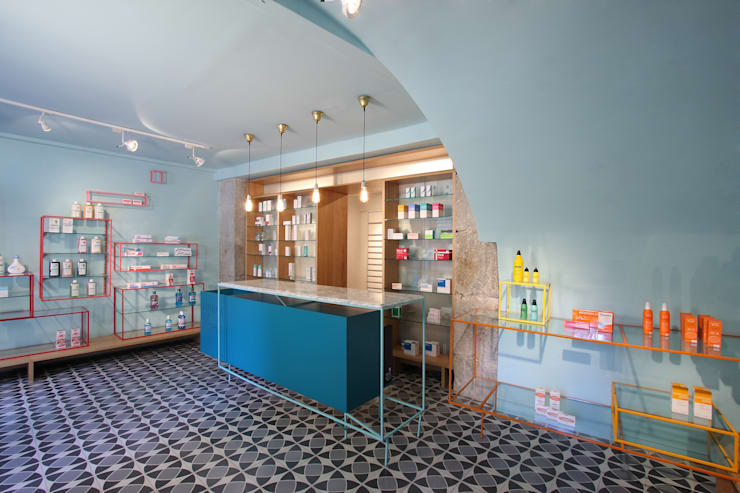 Farmacia de los Austrias:  de estilo  de Stone Designs