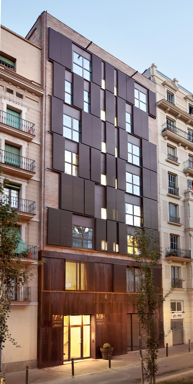 Reforma integral edificio plurifamiliar: Casas de estilo  de SANTI VIVES ARQUITECTURA