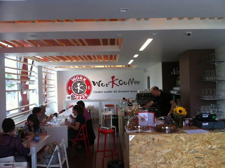 Workcoffee Bergamo:  in stile  di ARCHITECNO