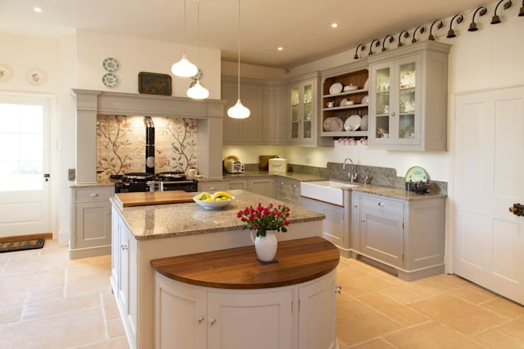 Bespoke kitchen :  Kitchen by Baker & Baker