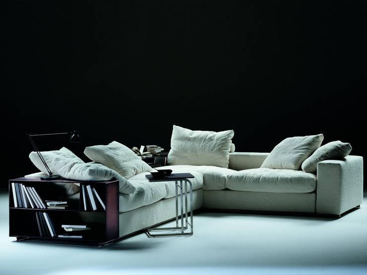 Sofa: Soggiorno in stile  di Mobilificio Marchese,