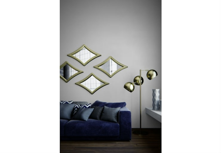Mirror Stardust:  Living room by Adonis Pauli HOME JEWELS