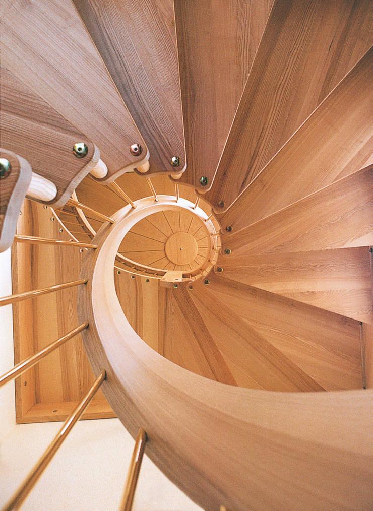 Bogentreppe:   von Treppenbau & Tischlerei Marquardt - Gerschner,Klassisch