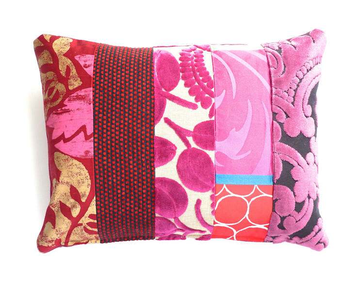 Ariagny luxury patchwork cushion:  Living room by Suzy Newton Ltd.